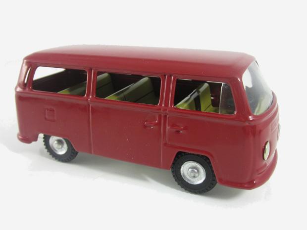 VW mikrobus (červený)