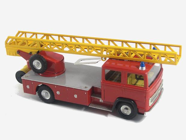 Mercedes hasič