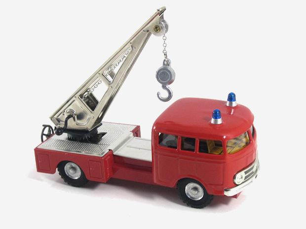 Mercedes MB 335 hasič– jeřáb